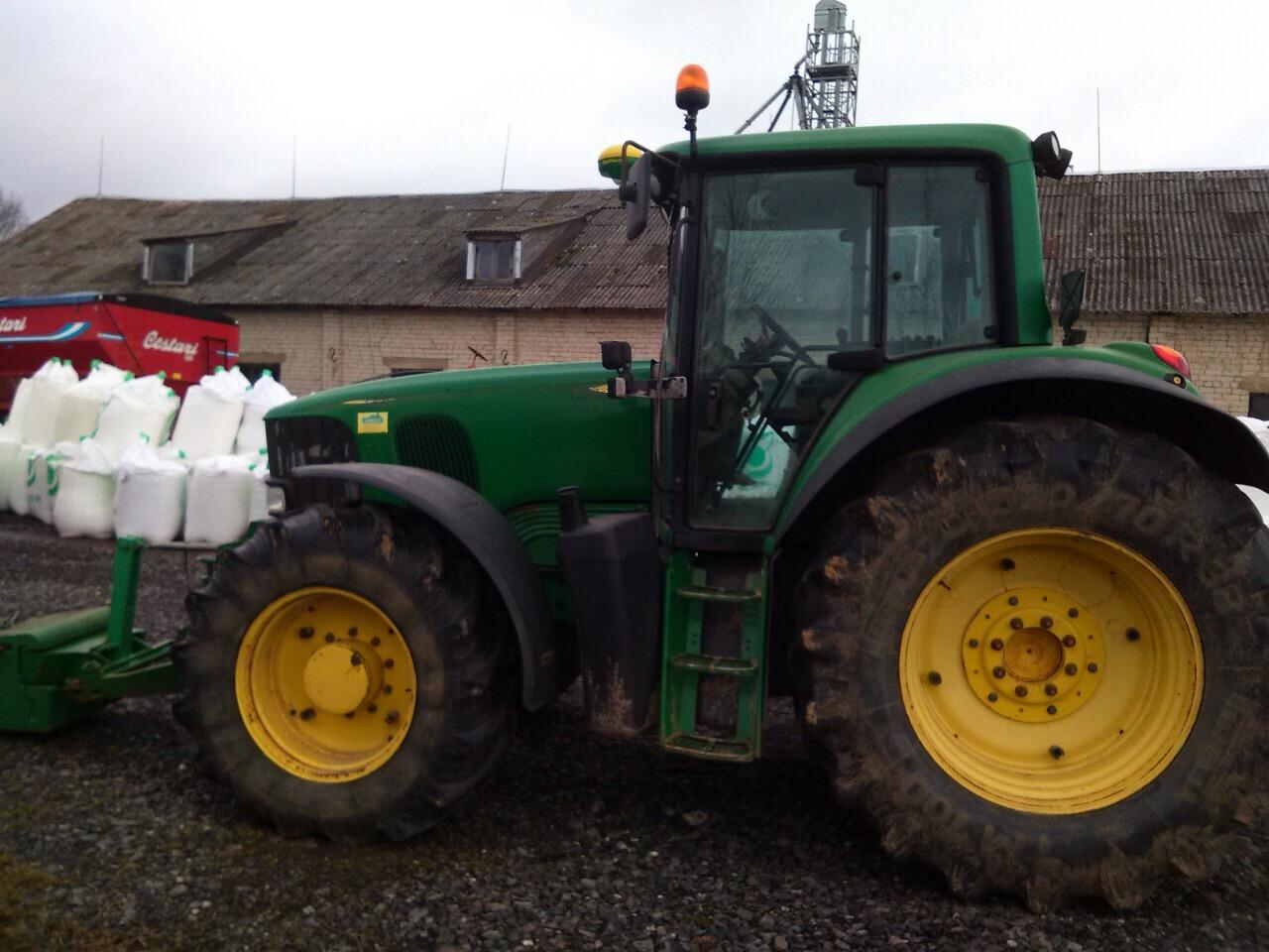 John Deere traktorius 6920