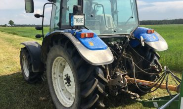 Traktorius NEW HOLLAND 5060